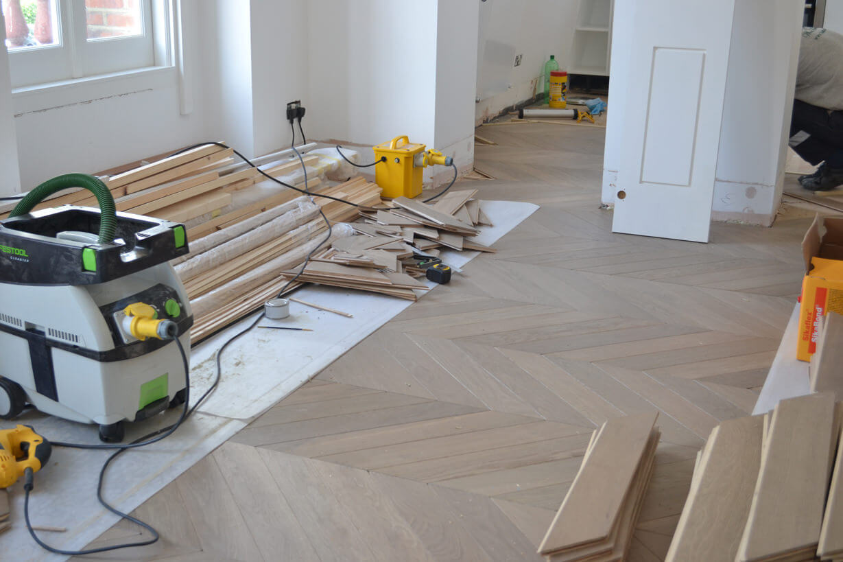 3 Oak News South Kensington Chevron Parquet