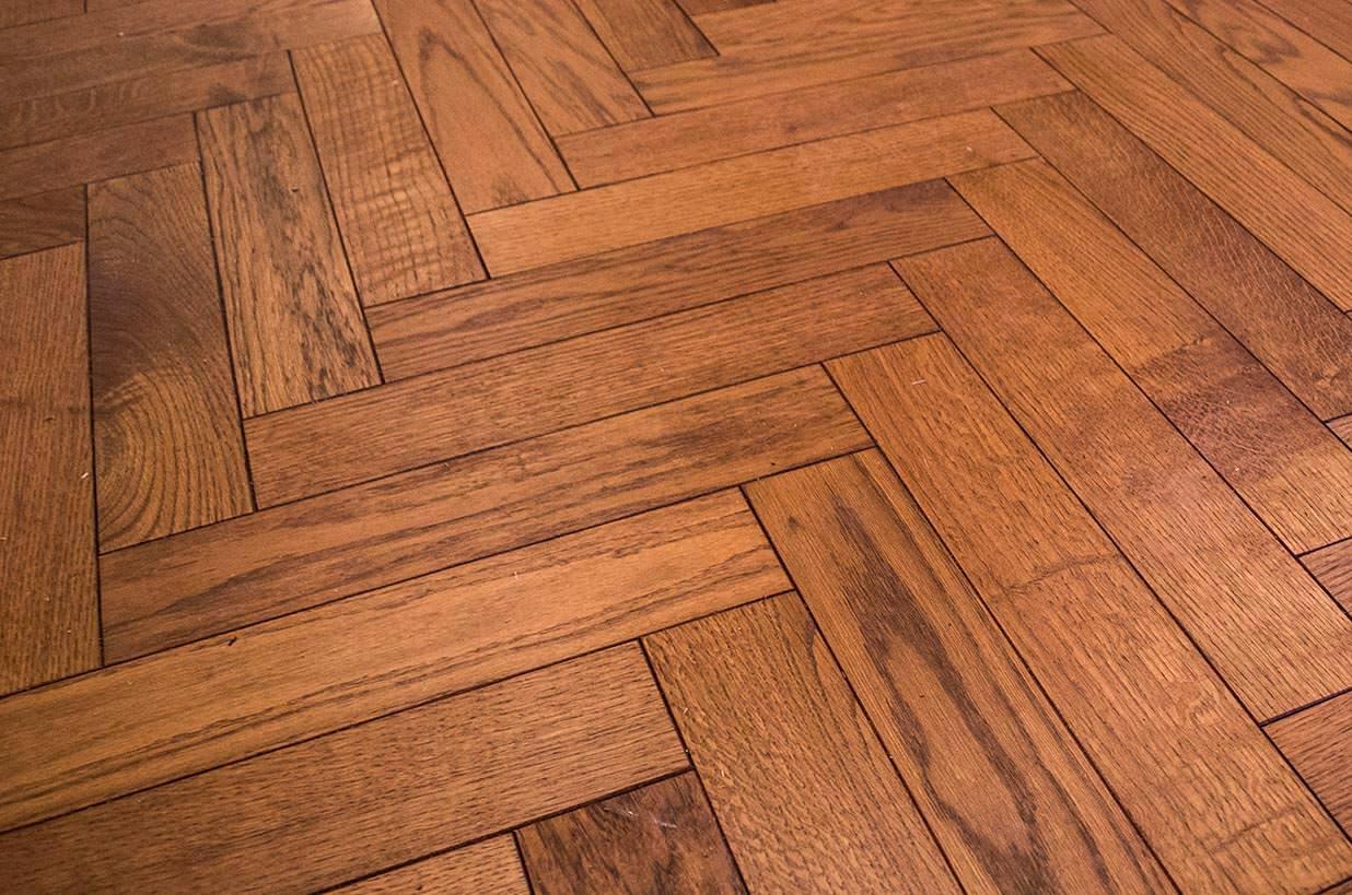 3 oak news installation of parquet oak flooring in. Black Bedroom Furniture Sets. Home Design Ideas