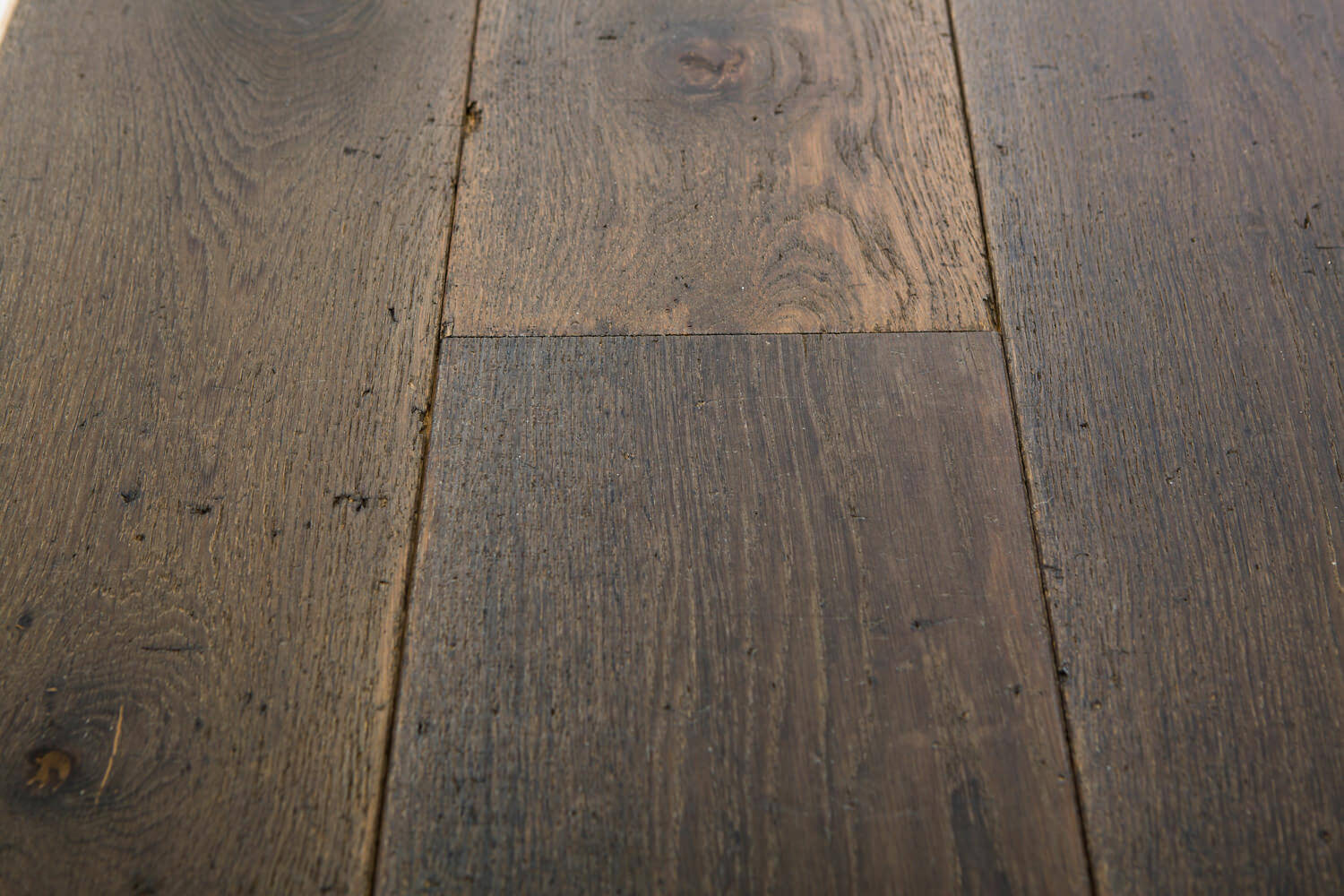 3 oak distressed chambord oak flooring for Distressed wood flooring